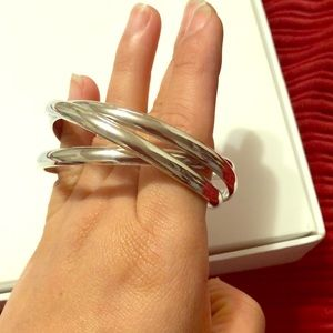 Jewelry - Slip me on bangles